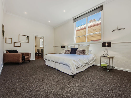 Tuck Inn Yarra Valley: Tuck Inn King Suite (*twin singles if requested)