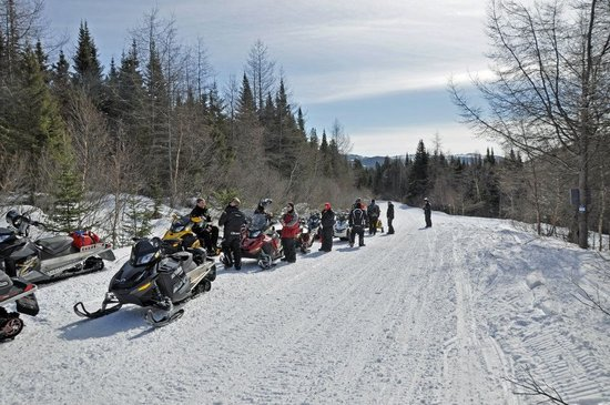Rugged Edge Snowmobile Rentals