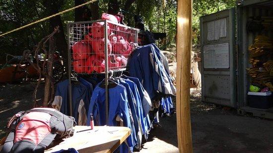 Cascada de las Animas:                   Indumentaria rafting