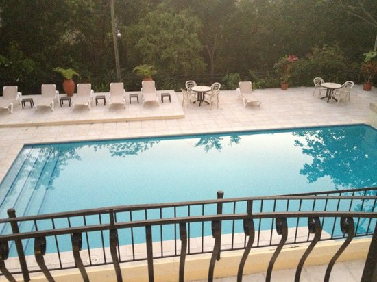San Ignacio Resort Hotel:                   Great pool, naturally warmed