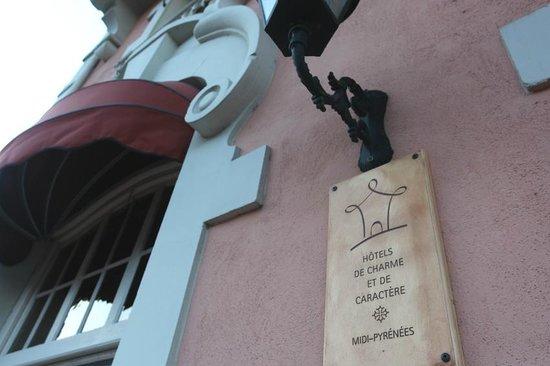 Grand Hotel De France :                                     Façade