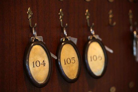 Grand Hotel De France :                                     Détail clés