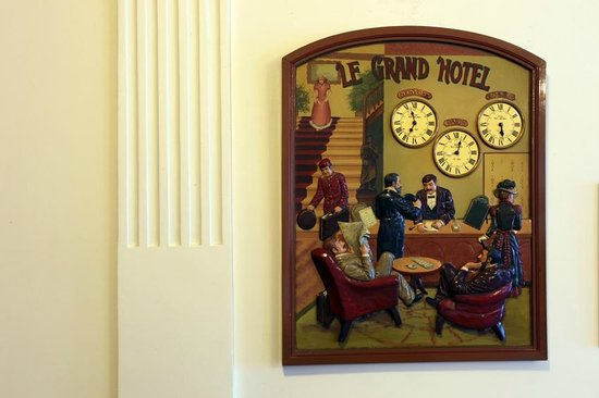 Grand Hotel De France :                                     Détail lobby