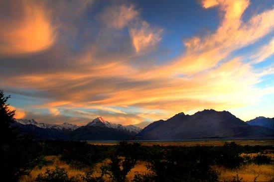 Mount Cook Glentanner Park Centre: Guest Photo - Glentanner Sunrise