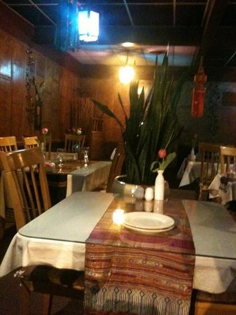 Nakorn Thai Cuisine:                   dining room