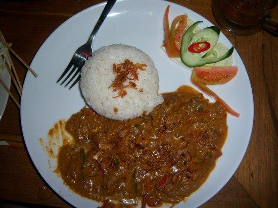 New Queen Pub & Restaurant :                   Delicious beef rendang!