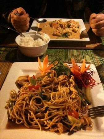 Nakorn Thai Cuisine :                   spagetti Thai and pan yang