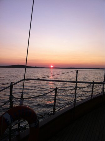 Sail Inn B&B:                   Sunset Sail