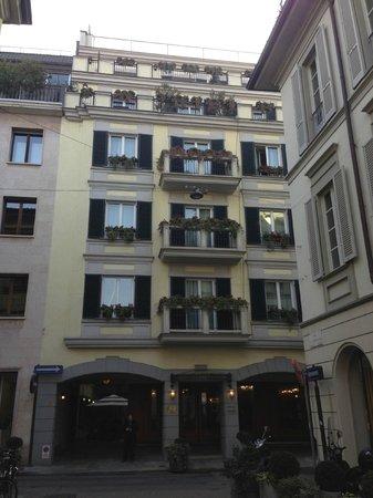 Hotel Manzoni:                                                       front exterior