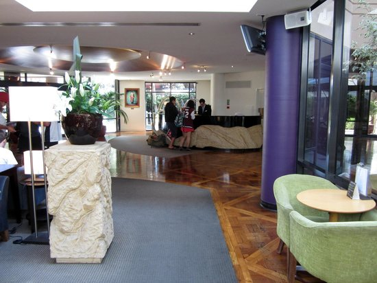 Amora Hotel Riverwalk Melbourne:                   Reception