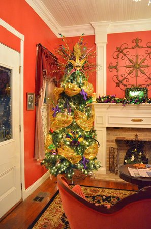White Oak Manor Bed and Breakfast:                                     Madi Gras tree