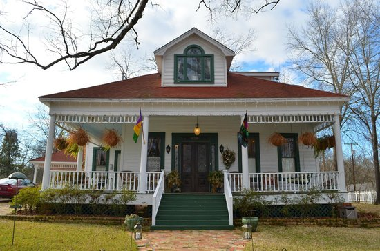 White Oak Manor Bed and Breakfast:                                     White Oak Manor