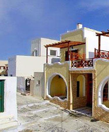 Dina's Place Photo