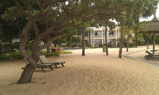 Heritage Le Telfair Golf & Spa Resort (Closed for renovation):                   Beach