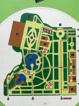 Parc de la Ciutadella:                   park layout sign