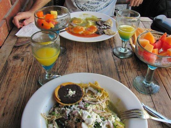 Hotel El Punto:                   El desayuno