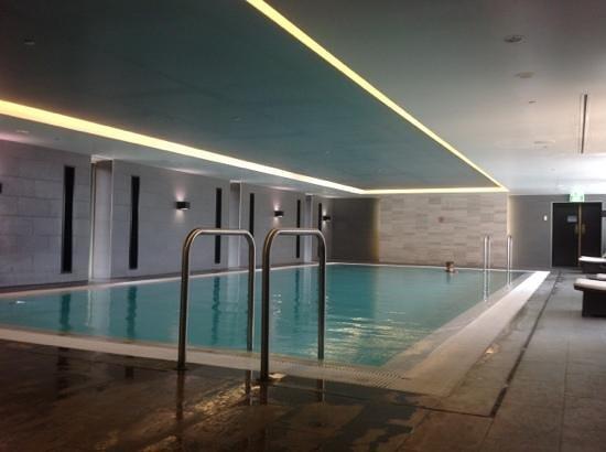 Shangri-La Hotel Sydney:                   Piscina cubierta
