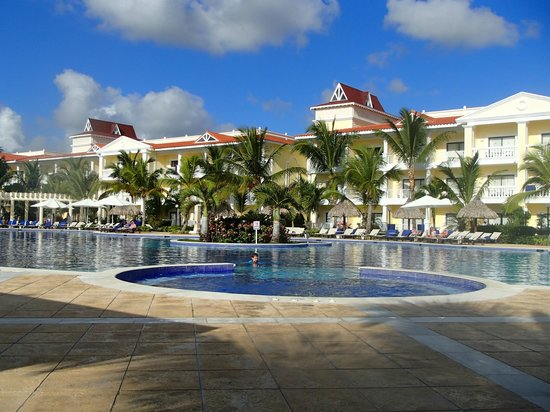 Luxury Bahia Principe Esmeralda Don Pablo Collection :                   Original main pool, closest to the beach