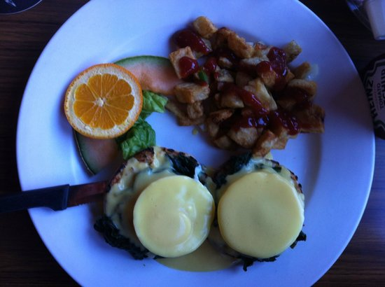 Mayflower Restaurant and Pub:                   Eggs Florentine