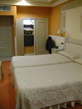 Hotel Alhambra Palace:                   Habitación vista 3