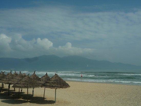 Seventeen Saloon Hotel:                   View at My Khe Beach