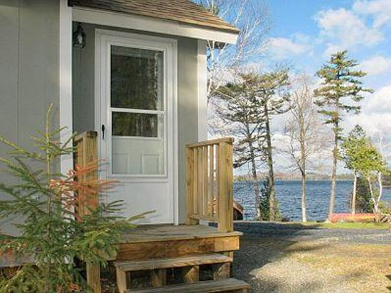 Birch Point Cabins Resmi