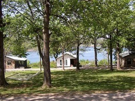 Three Oaks Resort On Lake Norfork: Lakefront views!