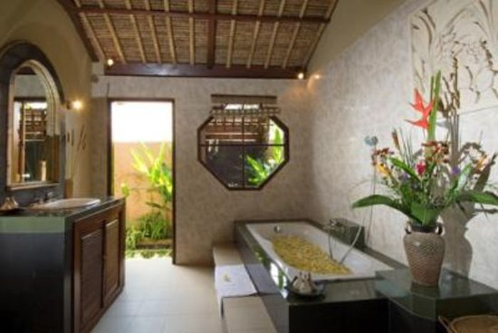 Tirtarum Villas, Canggu Bali: Bathrooms