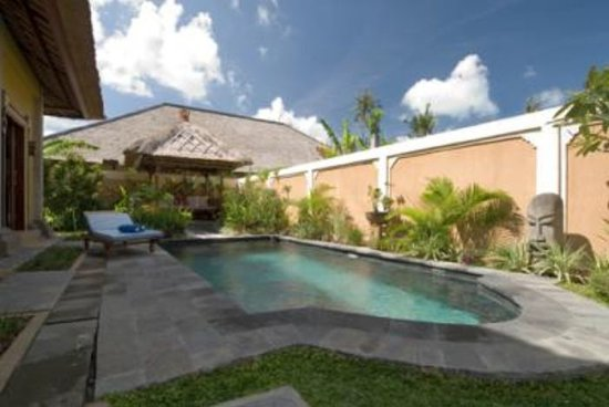 Tirtarum Villas, Canggu Bali: Private swimming pool