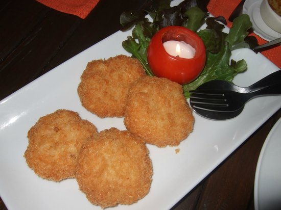 Lae Lay Grill:                   Prawn cakes - super crispy, goes very well with beer