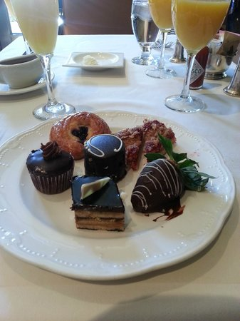 Mission Inn Restaurant:                   Brunch Finale!