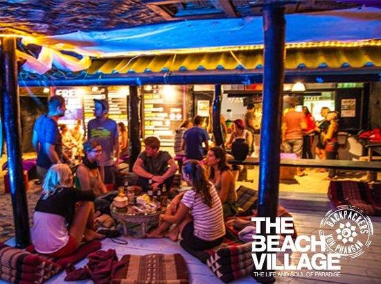 The Beach Village Backpackers: Beach Bar/Common Area