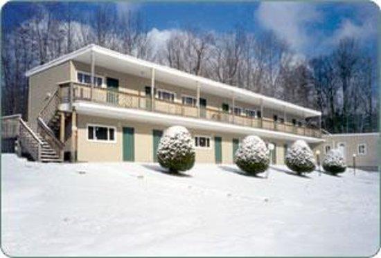 High Peak Motel Photo