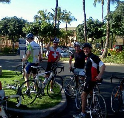Go Cycling Maui- Day Tour:                   on the road with the Chris Huber tour...