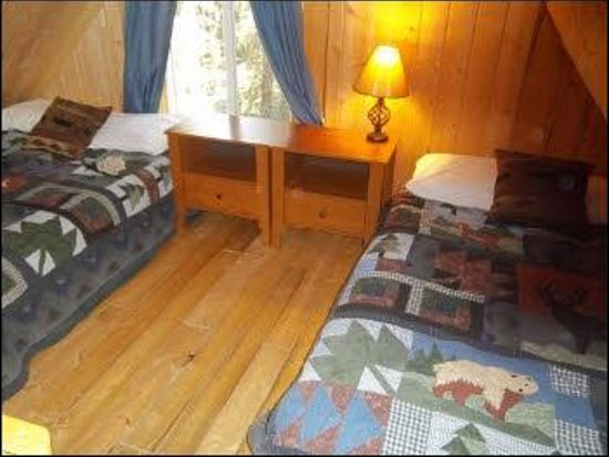 Caribou Cabins: extra beds in Wrangell Cabin