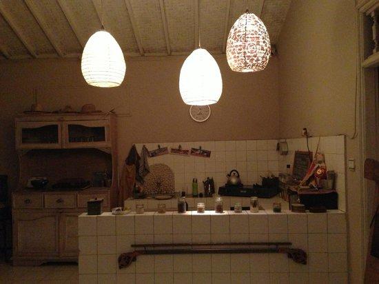 Casa Mia BnB Bali Seminyak:                   shared kitchen