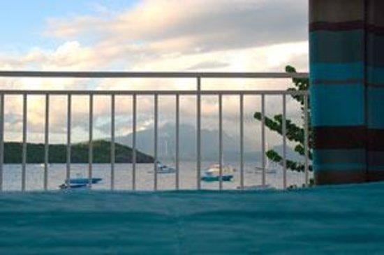 LoBleu Hotel: Vue sur la baie des Saintes depuis la chambre