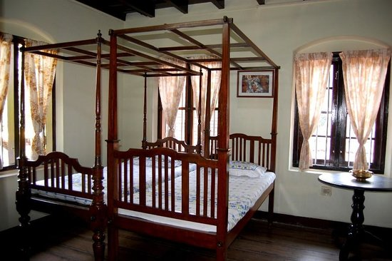 The Bungalow Heritage Homestay: Room Santa María: Heritage Twin Room