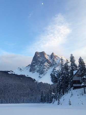 Emerald Lake Lodge:                   Cross Country Skiing