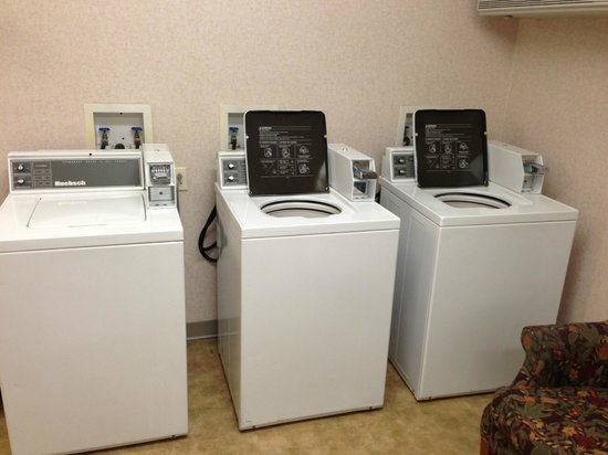 Residence Inn Charleston:                   Only use washer on the far LEFT.  Other two units are junk!