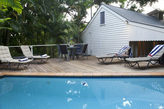 port douglas cottage and lodge: Lodge pool