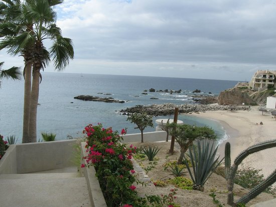 Welk Resorts Sirena Del Mar:                   Top of the stairs to the beach