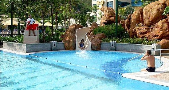Disney's Hollywood Hotel:                   pool