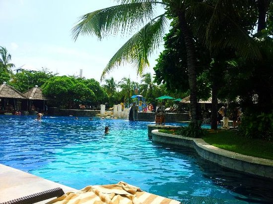 Hard Rock Hotel Bali:                   POOL