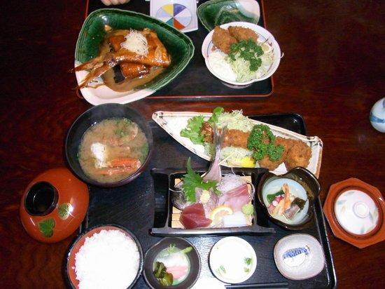 Wamura Sohonten:                   浮舟定食と金目鯛の煮付け