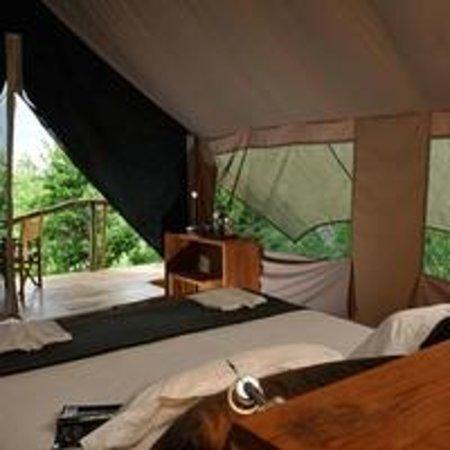 Galapagos Safari Camp: Tent interior