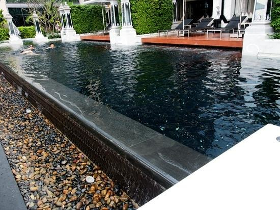 The St. Regis Bangkok:                   sweaming pool