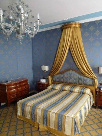 Hotel Ca' dei Conti:                   Superior Room 303