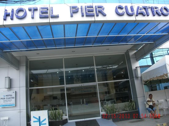 Hotel Pier Cuatro:                   Front of the hotel