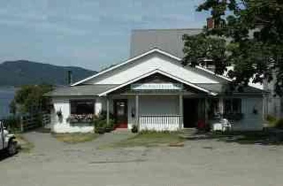 Springwater Lodge at Miners Bay Photo